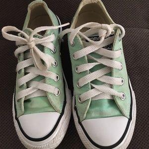 Converse mint color size 11